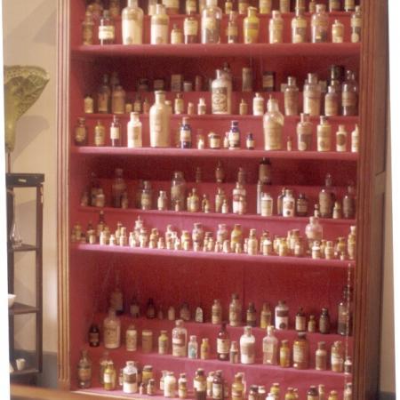 Posicionamento das peças do museu, seus equipamentos científicos, mobiliários da 2ª sala.